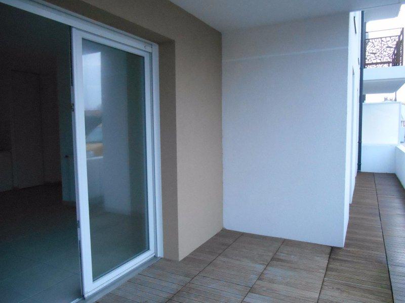 location appartement 3 pieces de 54 m2 85100 les sables d olonne 646. Black Bedroom Furniture Sets. Home Design Ideas