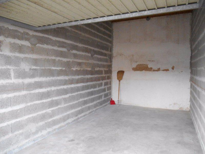 Vente garage de 17 m2 85100 les sables d olonne 641 for Garage boulot les sables d olonne