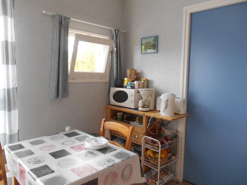 vente appartement 1 pieces de 24 m2 85100 les sables d olonne 679 charmant studio avec parking. Black Bedroom Furniture Sets. Home Design Ideas